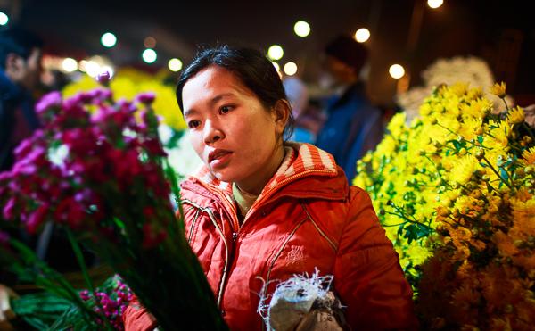 Chợ hoa đêm Quảng Bá