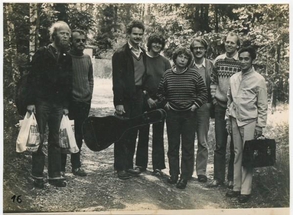 Thầy Hà Vinh và sinh viên Thuỵ Điển tại Thuỵ Điển, 1980.