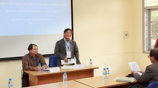 GS.TS Nguyễn Thiện Giáp (phải) và PGS.TS Vũ Văn Thi chủ trì tiểu ban 1. (Ảnh: Thành Long)