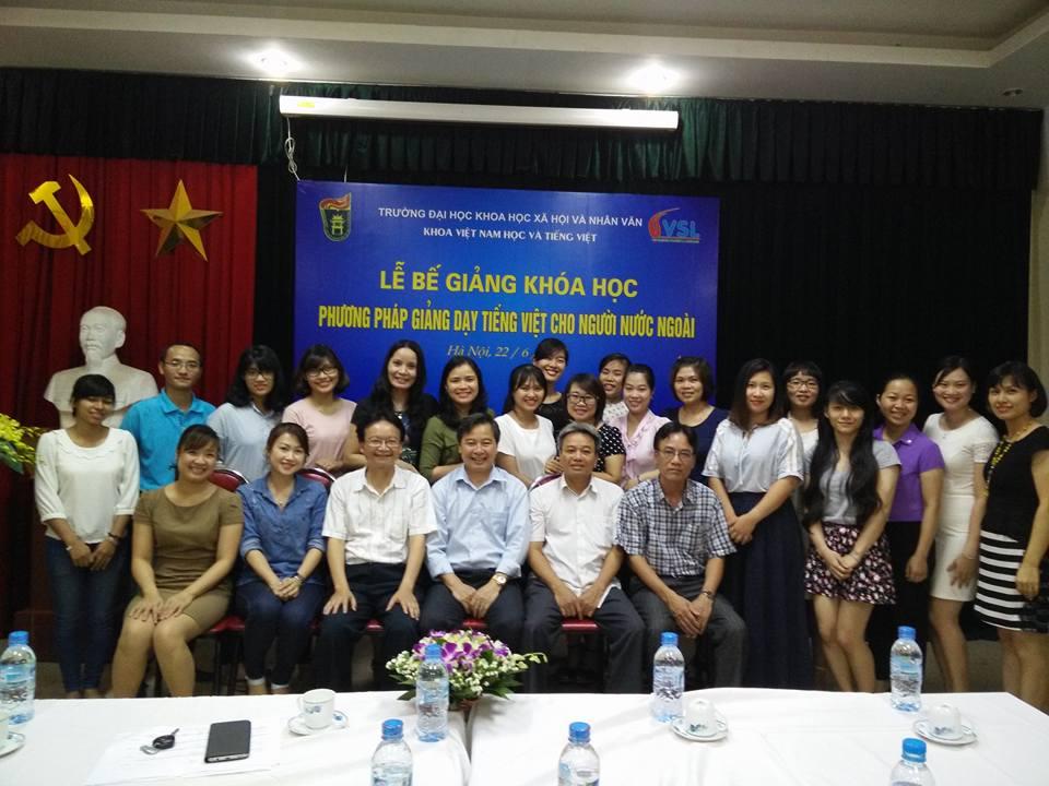 Bế giảng Khóa học Phương pháp giảng dạy tiếng Việt cho người nước ngoài