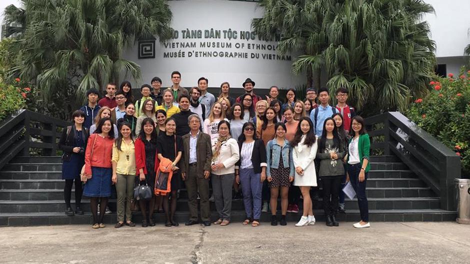Một ngày trải nghiệm văn hoá các dân tộc Việt Nam