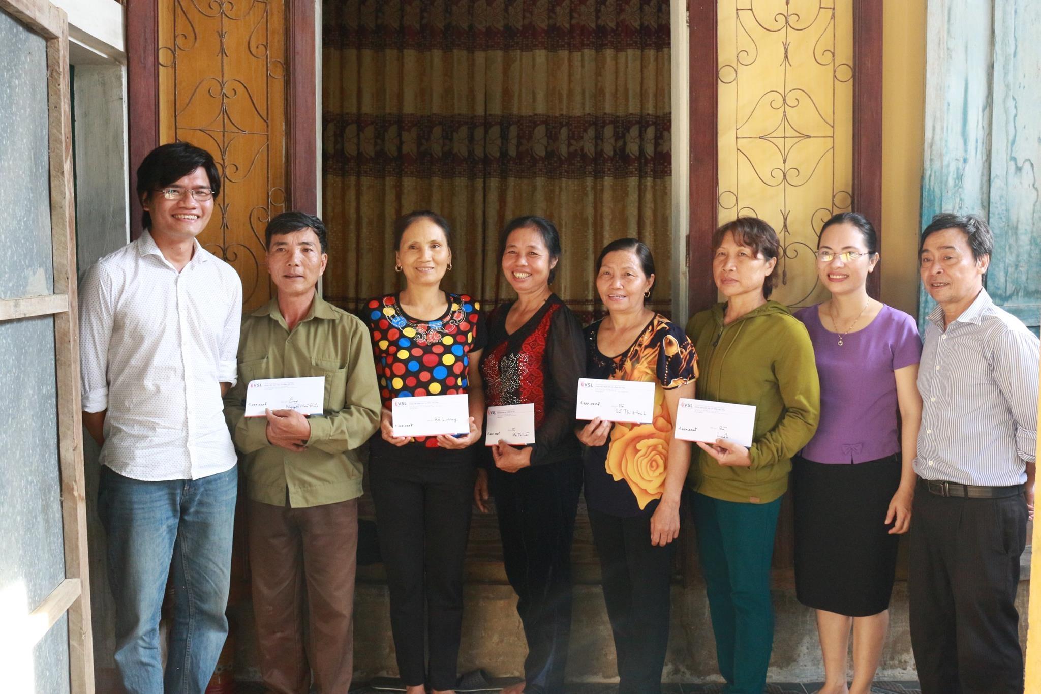 Khoa Việt Nam học và Tiếng Việt hưởng ứng các chương trình cứu trợ lũ lụt miền Trung