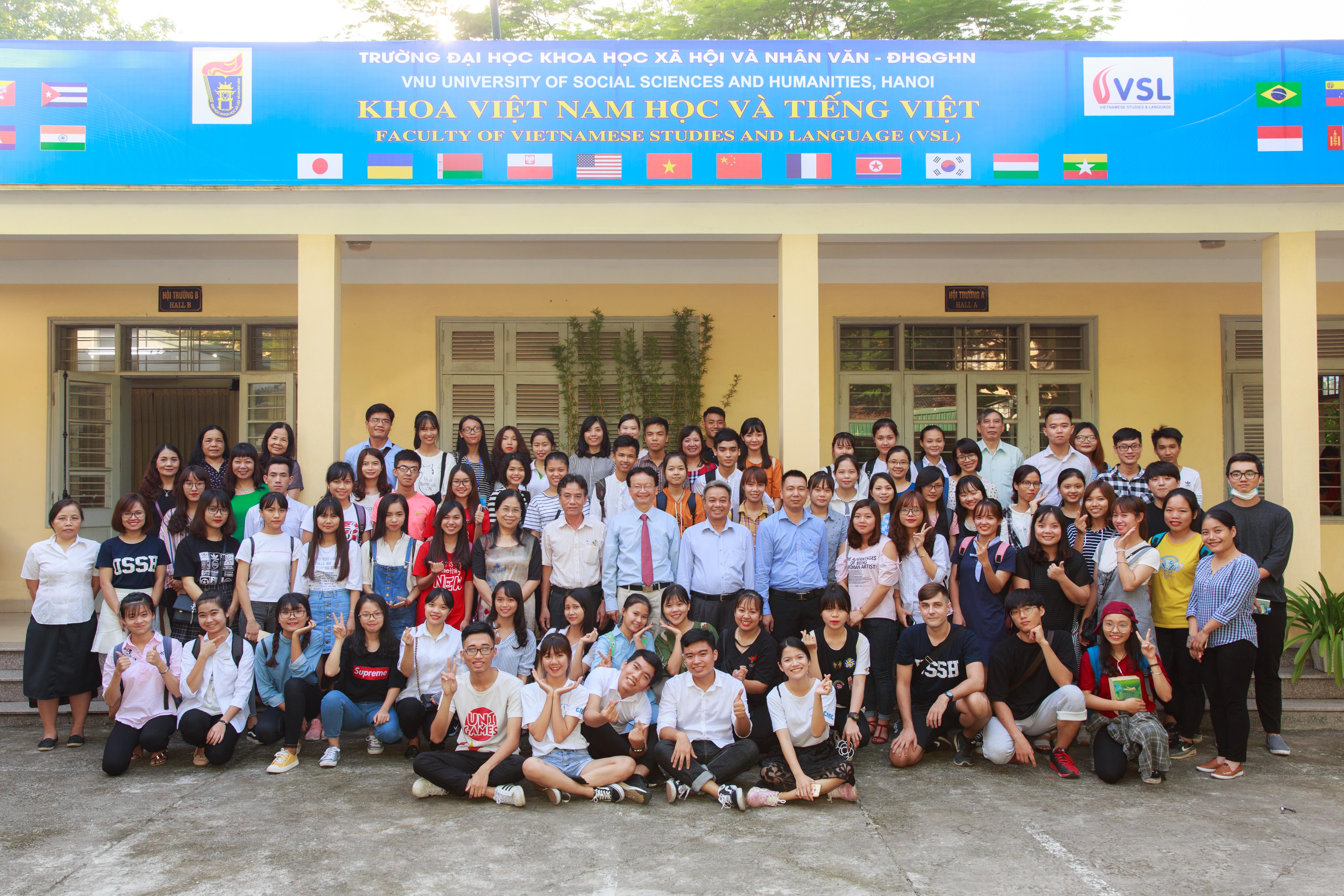 Lễ Khai giảng Chào K62 ở Khoa Việt Nam học & Tiếng Việt